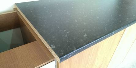 Black laminate kitchen worktops