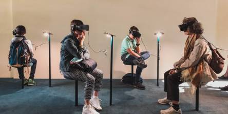 Virtual Reality: Advantages and Applications in Retail