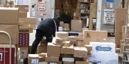 How To Choose The Right Shipping Courier for You