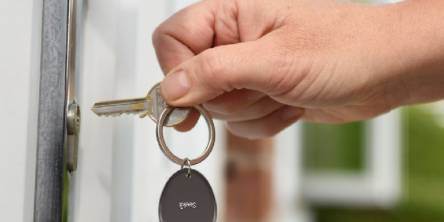 Finding Your Keys Isn't Going to be a Worry Anymore with the Seekit Loop