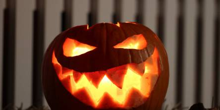 Scary jack-o-lantern with jagged spiky teeth.