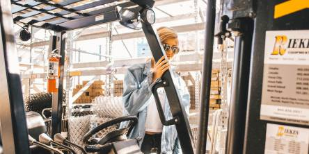 Which Are the Most Common Pieces of Material Handling Equipment