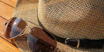 Keeping Your Eyes Healthy: Wear sunglasses