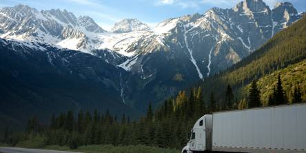 How Being a Freight Trucker is Great for Travel
