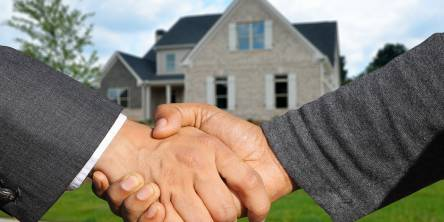 Realtor vs. for Sale by Owner: Which Yields More Money?