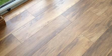 peel and stick floor molding