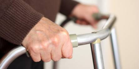 Factors to Consider When Buying Walking Frames for the Elderly
