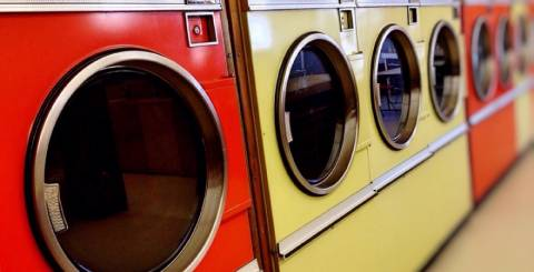 How to Calculate Start Up Costs for a Coin Op Laundry Business