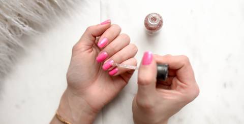 Perfect Pretty Pink Nails For the Right Outfit Look
