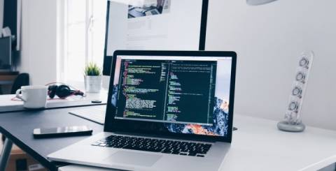 PHP or Java: Which One is Better for Web Development?