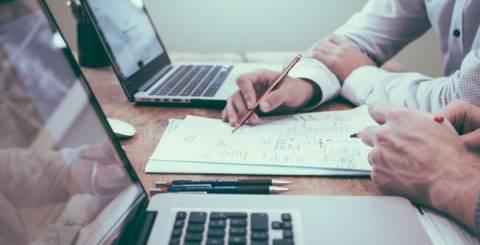 Laravel vs Codeigniter: Which Framework Is Better for Business