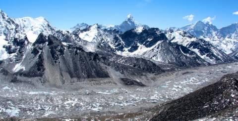 Everest Khumbu Glacier