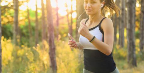 7 Benefits of Listening to Music While Exercising