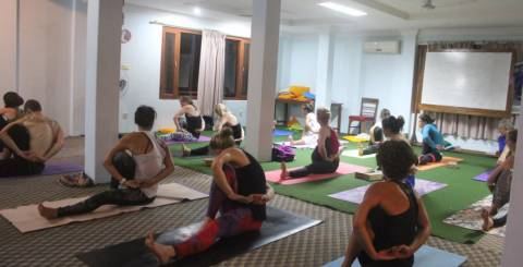 7 Interesting Reasons to Become a Yoga Teacher