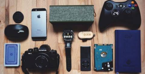 Top 7 Must-Have Gadgets When You're Traveling