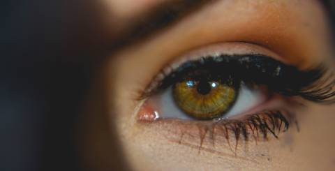 Risks and Recommendations of Contact Lenses