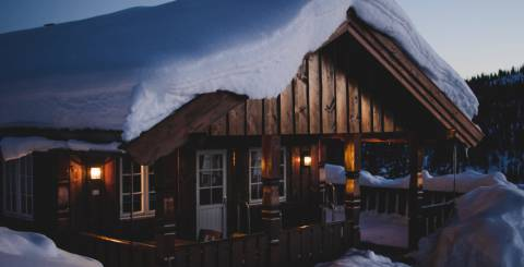 6 Things to Pack for Your Winter Trip to the Cabin