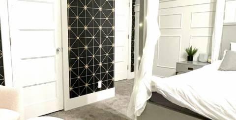 Geometric peel and stick wallpaper